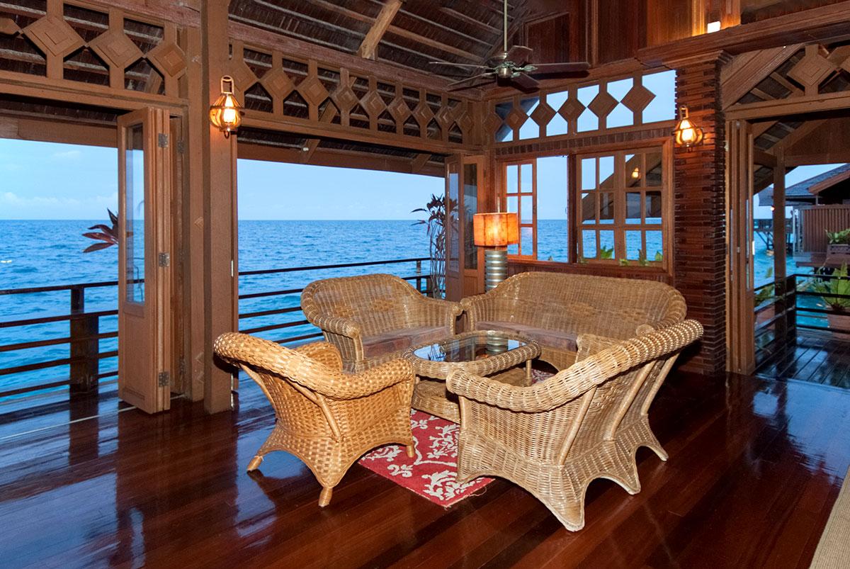 Lana Lounge